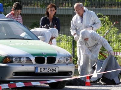 Spurensicherung am Tatort des Heilbronner Polizistenmords am 25.04.2007. Foto: Bernd Weißbrod/Archiv