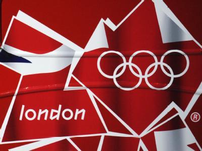 Olympia-2012-Logo auf einem Bus. Bernd Thissen / Archiv