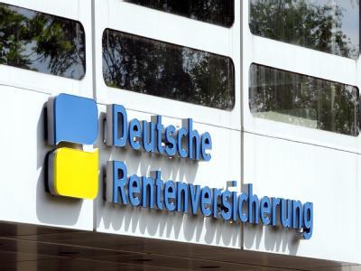 Eingang zur Deutschen Rentenversicherung am Hohenzollerndamm in Berlin. Foto: Soeren Stache/Archiv