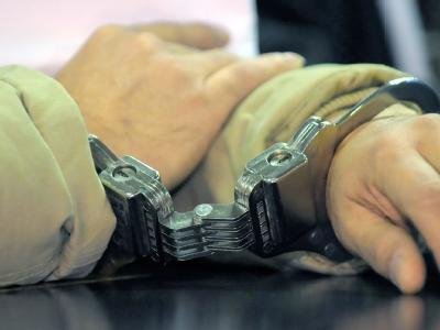In Handschellen: Die Festnahmen sollen im Zusammenhang mit dem derzeit laufenden «Deutschlandfest» in Bonn stehen. (Archiv- und Symbolbild)