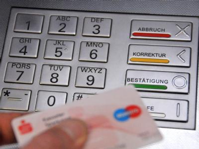 Durch Manipulationen an Geldautomaten wurde 2008 nach Schätzungen des BKA ein Schaden von mehr als 40 Millionen Euro verursacht.