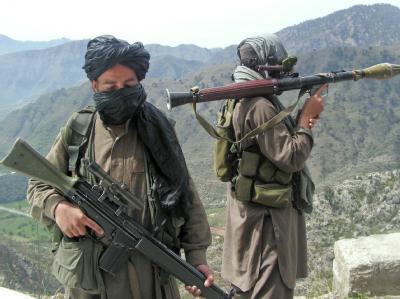 Mit Granatwerfern bewaffnete Taliban: Die spektakulären Angriffe der Aufständischen in Afghanistan reißen nicht ab. Diesmal attackierten sie in einer Provinz nordwestlich von Kabul den Amtssitz des Gouverneurs. (Symbolbild)