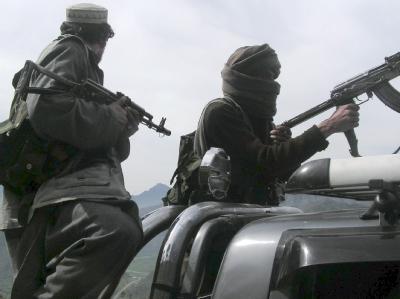 Bewaffnete Taliban an der Grenze zu Pakistan (Archivbild).
