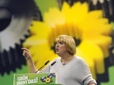 Die Bundesvorsitzende der Grünen, Claudia Roth, geht auf Distanz zur SPD.