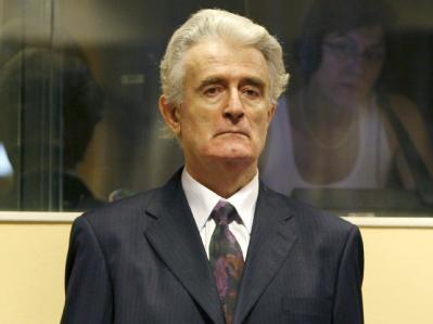 Der frühere bosnische Serbenführer Radovan Karadzic vor dem UN-Kriegsverbrechertribunal in Den Haag (Archivfoto vom 31.07.2008).