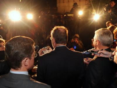 Nach der Opel-Rettung: Nächtliche Pressekonferenz vor dem Bundeskanzleramt in Berlin.