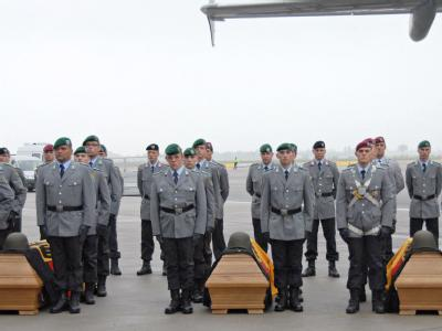 Ankunft der gefallenen Bundeswehr-Soldaten in Leipzig