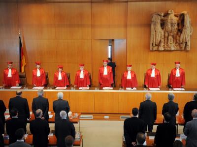 Der Zweite Senat des Bundesverfassungsgerichts verkündet das Urteil zum Lissabon-Vertrag.