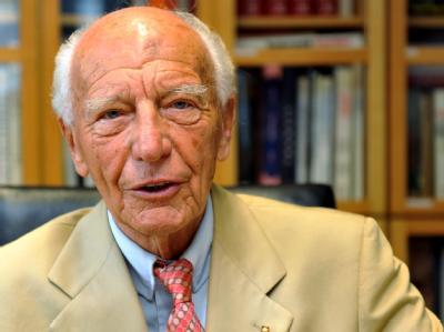 Der ehemalige Bundespräsident Walter Scheel hat seinen 90 Geburtstag gefeiert.