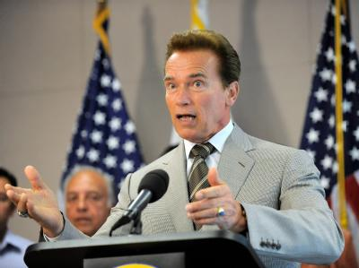 Der Gouverneur von Kalifornien, Schwarzenegger, hat einen Finanzkollaps offensichtlich abgewendet.