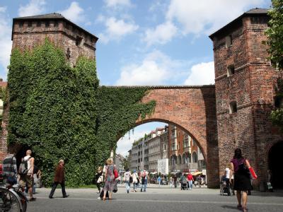 Das Sendlinger Tor in München war einer der Schauplätze der Gewaltorgie.