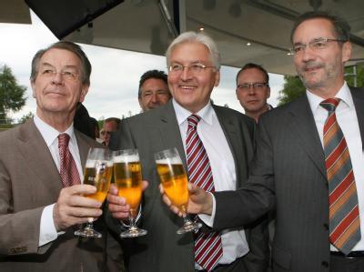 Demonstrativ guter Laune: Brandenburgs SPD-Chef Matthias Platzeck, Kanzlerkandidat Frank Walter Steinmeier und der SPD-Bundesvorsitzende Franz Müntefering.