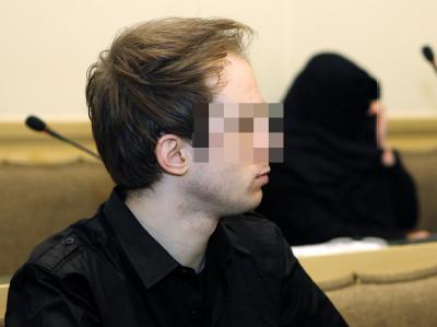 Die wegen Mordes an der kleinen Siri angeklagten Eltern im Landgericht in Limburg.
