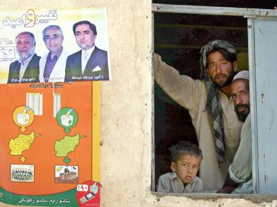 Wahlplakate in Kabul.