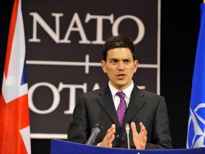 Der britische Außenminister David Miliband versichert, dass Großbritannien dem Afghanistan-Einsatz verpflichtet bleibe.