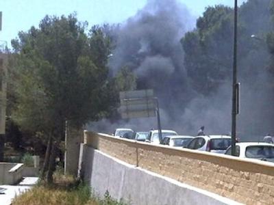 Zwei Menschen sind bei einem Bombenanschlag auf Mallorca getötet worden.