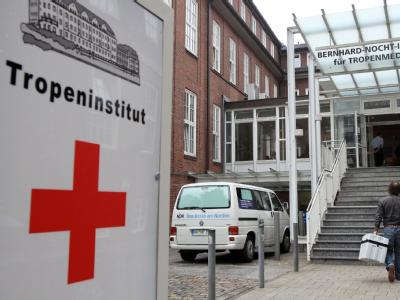 Im Hamburger Bernhard-Nocht-Institut für Tropenmedizin wird ein neuer Impfstoff gegen die Schweinegrippe getestet.