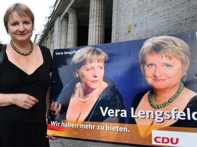Die ehemalige DDR-Bürgerrechtlerin und CDU-Bundestagskandidatin Vera Lengsfeld setzt weiter auf Hingucker-Plakate.