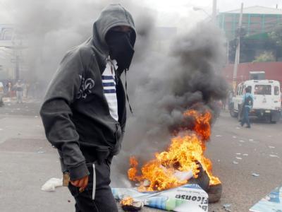 Ein Demonstrant in Tegucigalpa protestiert gegen die Putschisten.
