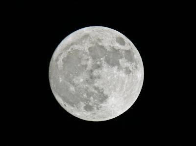 Die NASA hat auf dem Mond Wasser entdeckt.