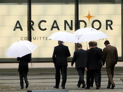 Der vorläufige Insolvenzverwalter der Arcandor-Gruppe geht mit dem früheren Management des Konzerns hart ins Gericht.