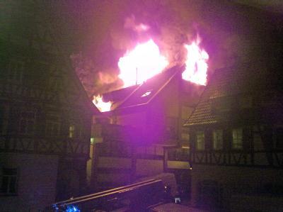 Obdachlosenheim in Flammen