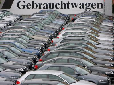 Audi-Jahreswagen auf einem Firmenparkplatz: Nun könnte der Kauf offenbar doch steuerlich begünstigt werden.