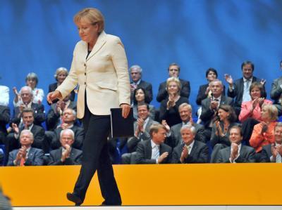 Bundeskanzlerin Angela Merkel (CDU) beim Wahlkampfauftakt ihrer Partei in Düsseldorf.