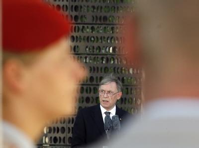 Bundespräsident Horst Köhler bei der Einweihung des neuen zentralen Ehrenmals der Bundeswehr in Berlin.