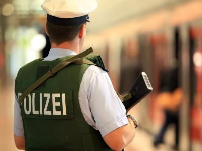 Sicherheit auf Bahnhof