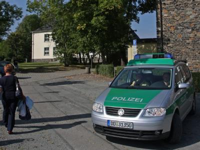 Polizei vor Zwickauer Schule
