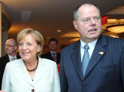 Letzte gemeinsame Dienstreise? Angela Merkel und Peer Steinbrück in Pittsburgh.