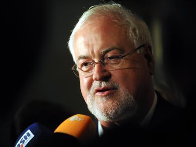 CDU-Ministerpräsident Peter Harry Carstensen kann in Kiel weiterregieren.
