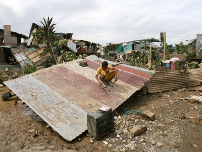 Die Flutkatastrophe auf den Philippinen hat mehr als 370 000 Menschen obdachlos gemacht.