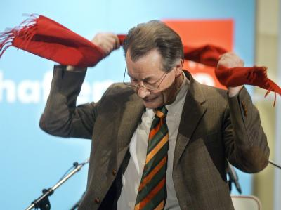 Nach dem Wahldebakel war Franz Müntefering als SPD-Chef nicht mehr zu halten (Archivfoto).