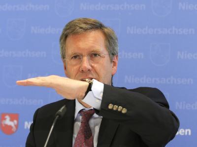 Deftige Kritik an den Steuersenkungsplänen der FDP kommt von Niedersachsens Ministerpräsident Christian Wulff (Archiv).