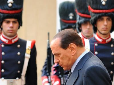 Silvio Berlusconi ist verärgert über das Urteil der Verfassungsrichter.