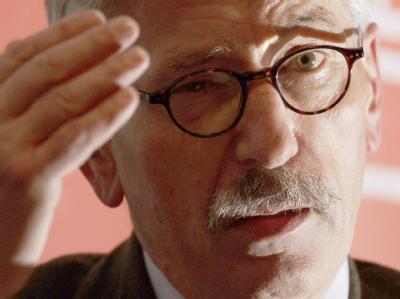 Bundesbank-Vorstand Thilo Sarrazin hat sich mit scharfen Äußerungen in die Bildungsdebatte eingeschaltet. (Archivbild)