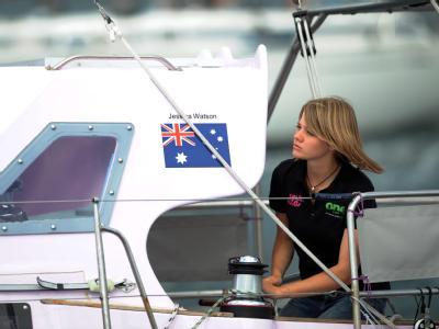 Die 16-jährige Jessica Watson bei ihrem Start zur Solo-Weltumseglung in Sydney.