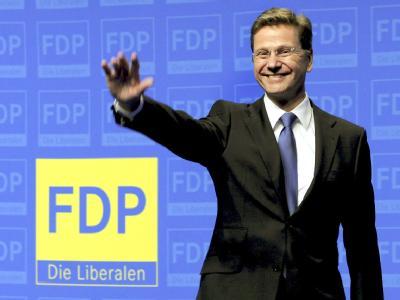 Der künftige Bundesaußenminister Guido Westerwelle beim außerordentlichen Parteitag der FDP in Berlin.