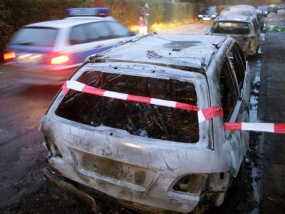 Ausgebrannte Autos in Hamburg