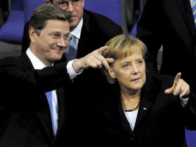 Bundeskanzlerin Angela Merkel und Vizekanzler Guido Westerwelle im Bundestag.