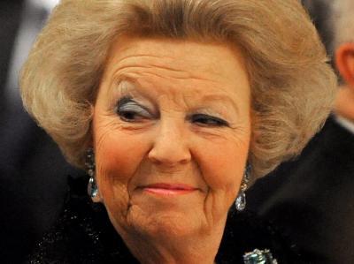 Königin Beatrix hat, im Zuge der niederländischen Regierungskrise, Ministerpräsident Jan-Peter Balkenende empfangen.