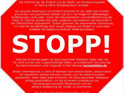 Stopp-Schilder für Kinderpornos im Internet