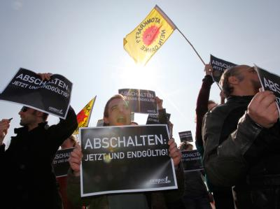 Anti-Atom-Protest vor Bundeskanzleramt