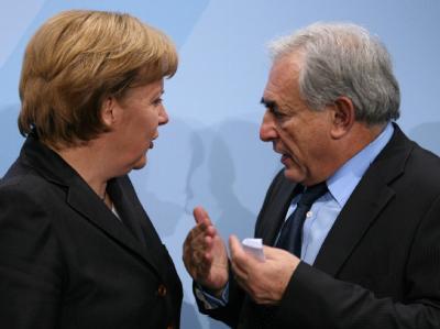 Bundeskanzlerin Angela Merkel und Dominique Strauss-Kahn. (Archivbild vom 19.12.2007).
