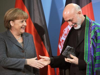 Merkel begrüßt Karsai