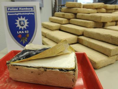 Sechs Männer sollen die die Rekordmenge von 1,2 Tonnen Kokain im April von Paraguay nach Hamburg geschmuggelt haben. (Archivbild)