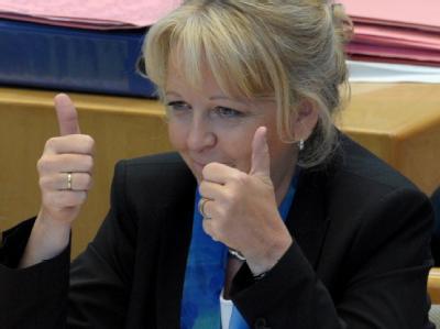 «Daumen hoch» für den Atomausstieg von Ministerpräsidentin Kraft: NRW fordert ein Mitspracherecht beim Klimafonds.