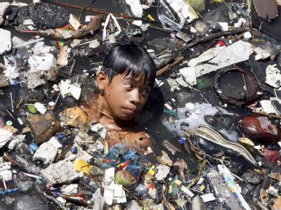 Müll-Fluss